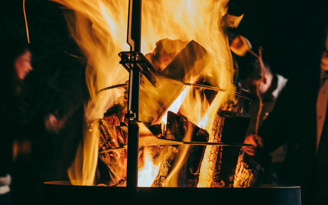 Outdoor Cooking War: Gas Versus The Open Fire